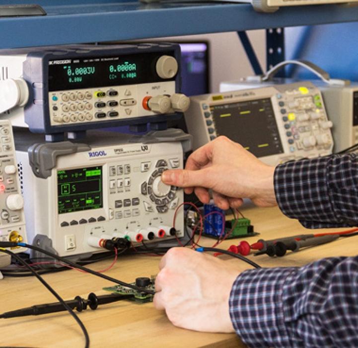 خدمات-مهندسی-آریا-کنترل